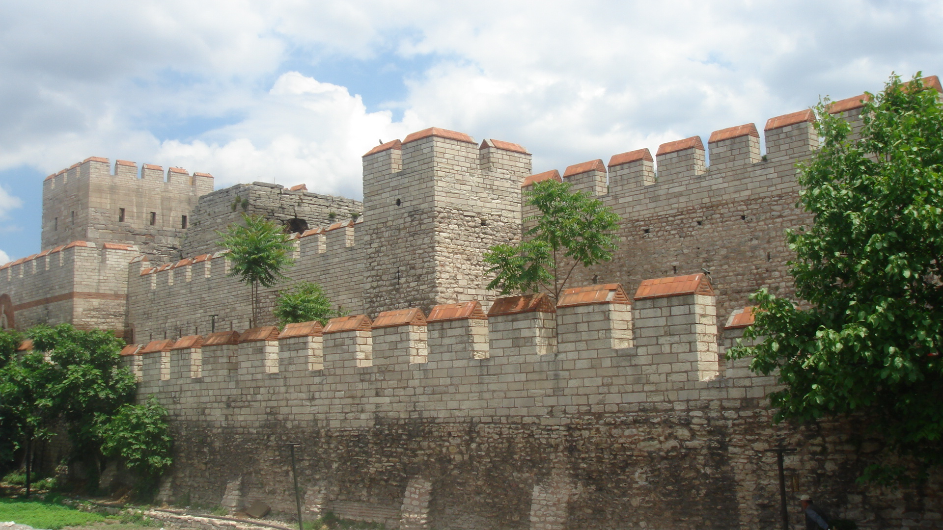 walls of constantinople restored